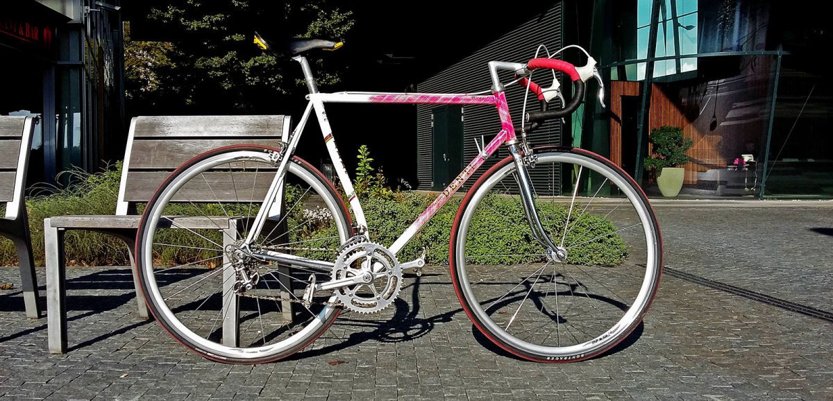 Bicykel, ktorý to so mnou ťahá od začiatku - Mino Denti Mirages. Časovkársky špeciál z konca 80. rokov vyrobený z custom profilovaných cro-mo rúrok Columbus osadený mixom komponentov Campagnolo Nuovo Record, Triomphe a Super Record.