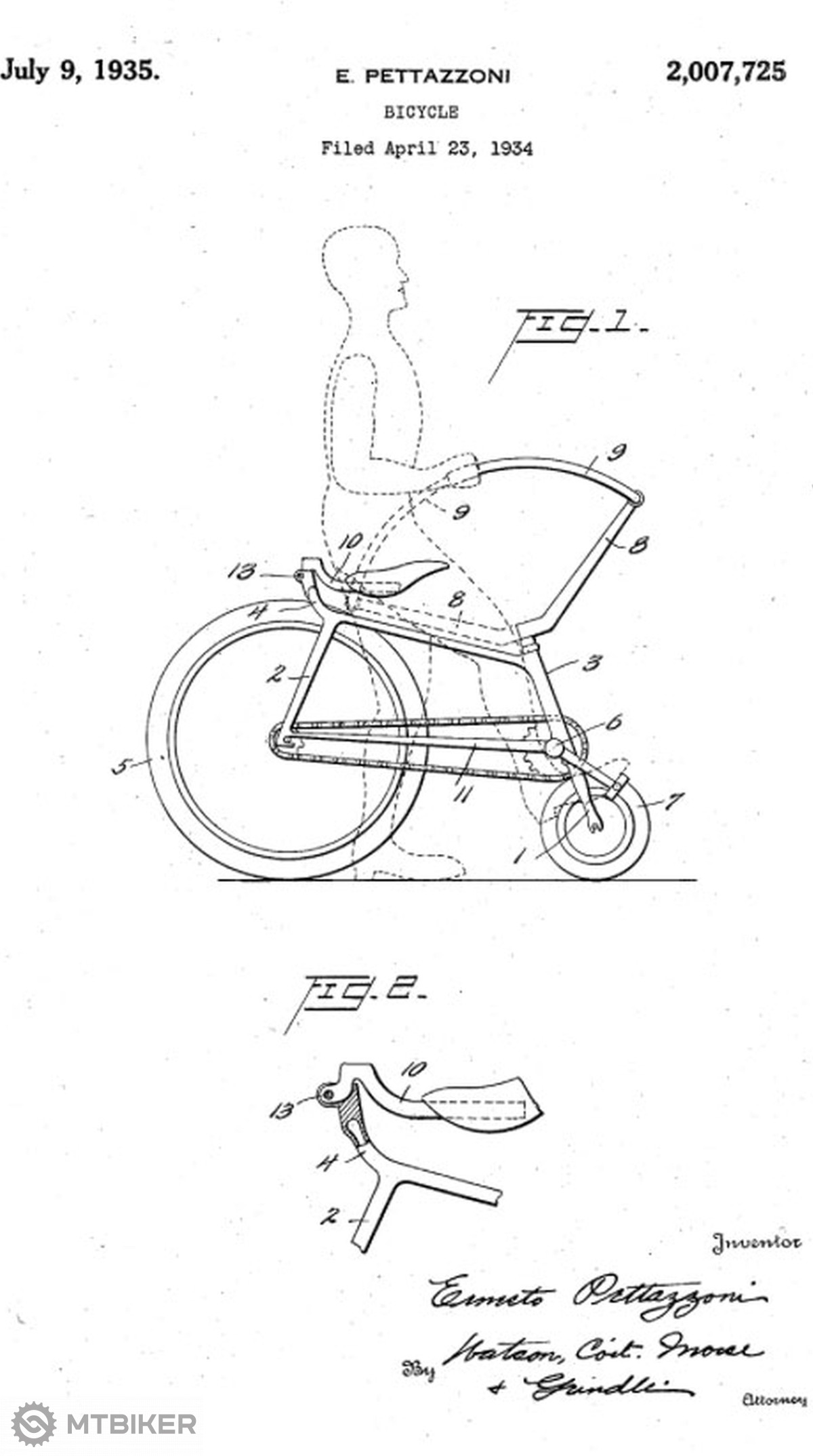 Patent z roku 1935 znázorňuje řidítka v horní poloze. (ve spodní poloze čárkovaně)