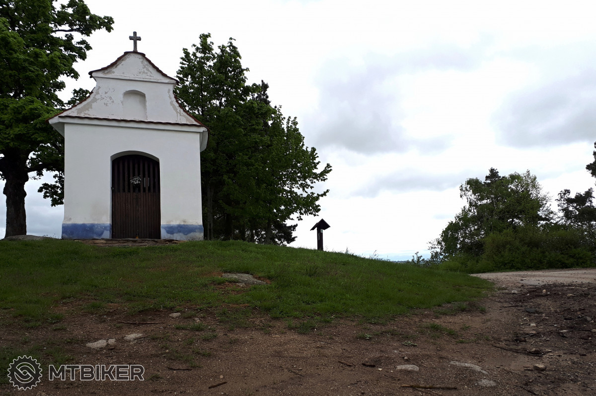 Štěpánova kaplička na Hrbovském vrchu (569 m.n.m.)