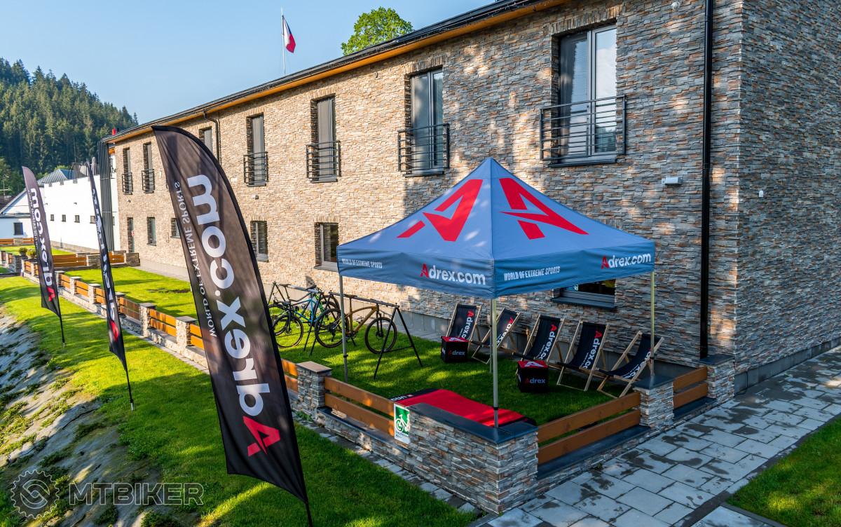 Adrex Base Camp – základna pro místní traily