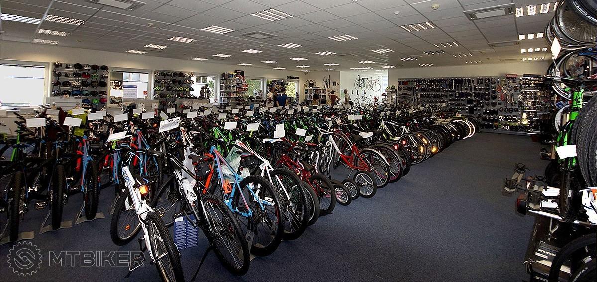 b39455f23 ... všetky riadia dlhoroční, aktívni bikeri. To je aj najlepšou zárukou  odborného predaja a servisu. Kontakt, otváracie hodiny a E-shop ...