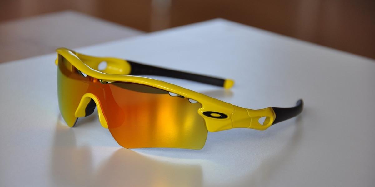 11f3fe83b Ako môžeme vidieť, tak pri tých, ktorí nosia kontaktné šošovky, nemusia byť  veľké komplikácie. Stačí si oči dostatočne chrániť športovými okuliarmi.
