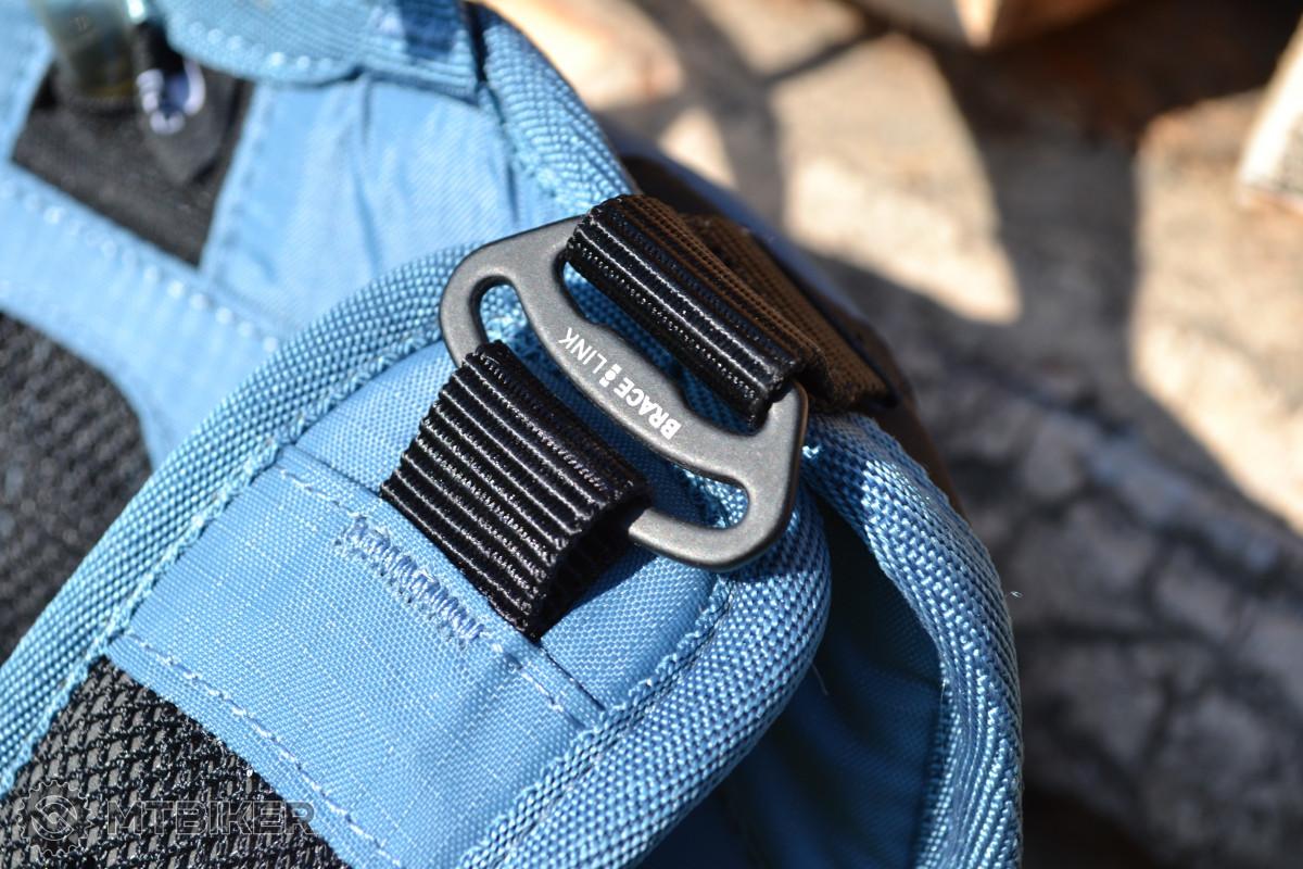 Spona Brace Link - jeden z prvků podílejících se na celkovém komfortu batohu.