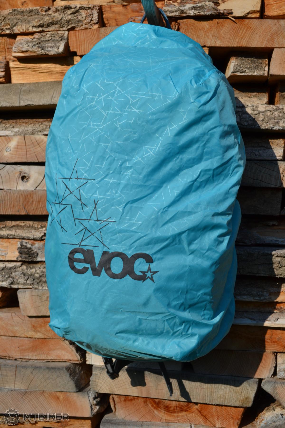 Barva pláštěnky závisí na barvě batohu, potisk je reflexní.