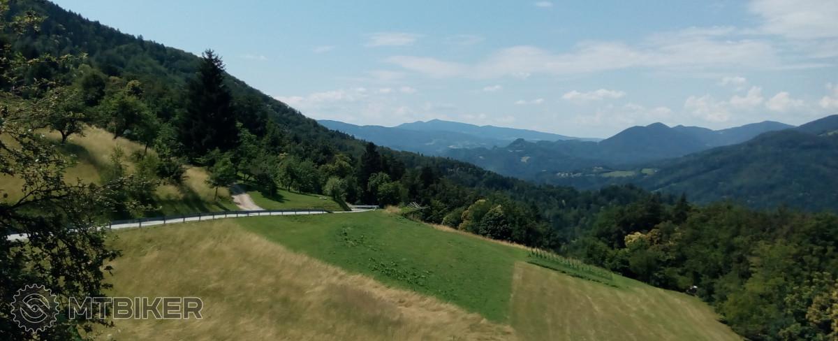 https://foto.mtbiker.sk/Trasy/slovinsko/slovinsko_19.jpg